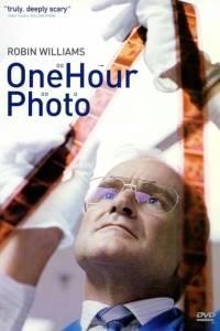Zdjęcie w godzinę online / One hour photo online (2002) | Kinomaniak.pl