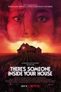 Ktoś jest w twoim domu online / There's someone inside your house online (2021) | Kinomaniak.pl