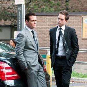 W garniturach/ Suits(2011) - zdjęcia, fotki   Kinomaniak.pl